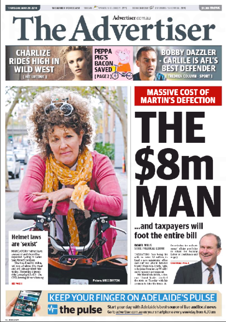นสพ. the Advertiser ฉบับ 29 พฤษภาคม 14 เสนอข่าวนาง Abbott นำทีมประท้วงหมวกกันน็อคสำหรับผู้ขี่รถจักรยาน