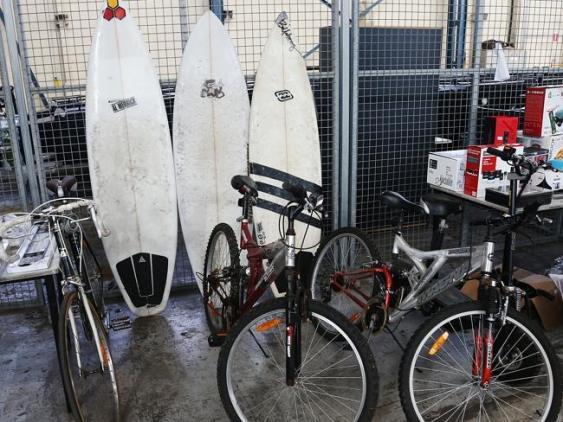 เวิร์ฟบอร์ดและจักรยานที่รอการประมูล