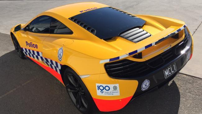 รถ McLaren 650s รถตำรวจรัฐน.ซ.ว.คันล่าสุดมีขีดความสามารถเร่งจาก 0 กม.ต่อชม.ไปที่ 100 กม.ต่่อ.ชม.ได้ภายใน 2.9 วินาที