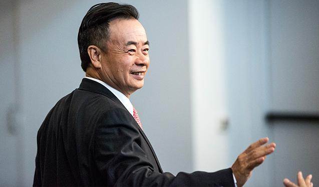 ดร. Chau Chak Wing Chau : จาก giving.uts.edu.au เว็ปไซท์ประชาสัมพันธ์ของม. UTS