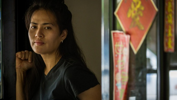 นาง Maricar Virata ที่บ้านพักของเธอในเมืองดาร์วิน : ภาพชั่วคราวจากนสพ. the Age
