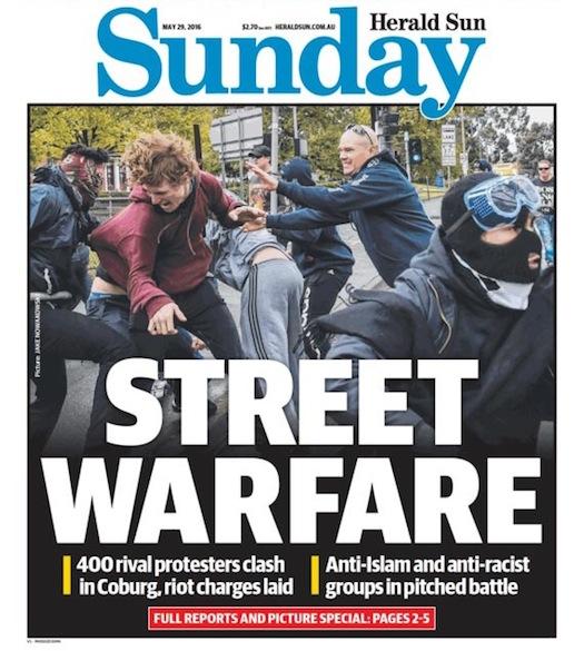 นสพ. Herald Sun Sunday ฉบับวันที่ 29 พ.ค. 2016 เสนอข่าวการปะทะกันระหว่างกลุ่มต่อต้านอิสลามและกลุ่มต่อต้านการรังเกียจเชื้อชาติ