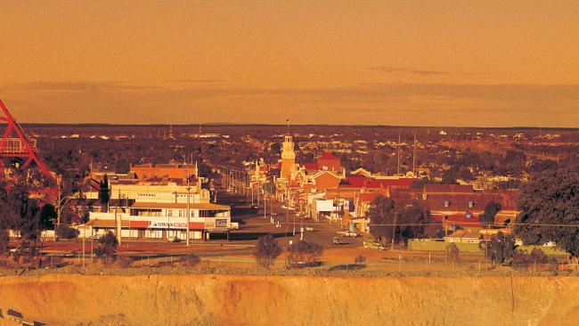 The Goldfield เกิดแผ่นดินไหวครั้งร้ายแรงที่สุดของรัฐเวสเทิร์นออสเตรเลีย : ภาพจากนสพ. the West Australian