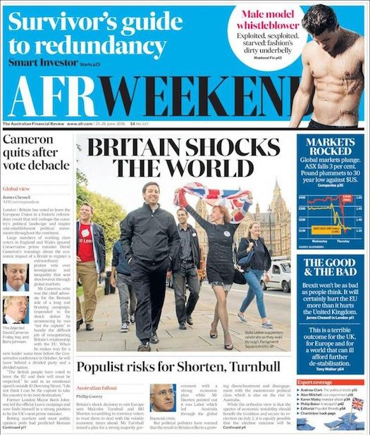 """นสพ. the Financial Review ฉบับสุดสัปดาห์ที่ 25-26 มิ.ย. 2016 พาดหัว """"บริเทนช็อคโลก"""" จากผลประชามติ Brexit"""