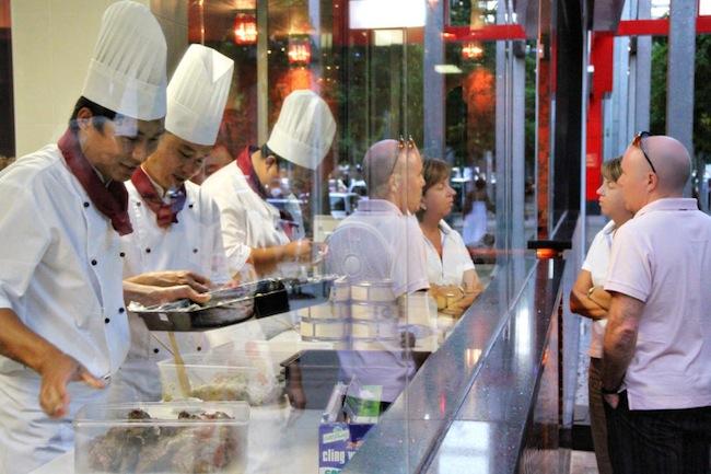 ร้านอาหารจีน Bamboo Basket หลังปรับปรุงใหม่ โดยเลิกใช้ฝอยขัดหม้อเด็ดขาด : ภาพประชาสัมพันธ์จาก bamboobasket.com.au