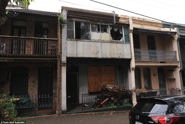 บ้านผีสิง หรือ the Haunted House ถนน Waterloo St. ย่าน Surry Hills : ภาพจาก dailymail.co.uk