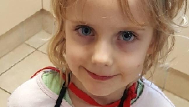 ด.ญ. Jocelyn Lewis วัย 5 ขวบ : ภาพจากนสพ. Gold Coast Bulletin