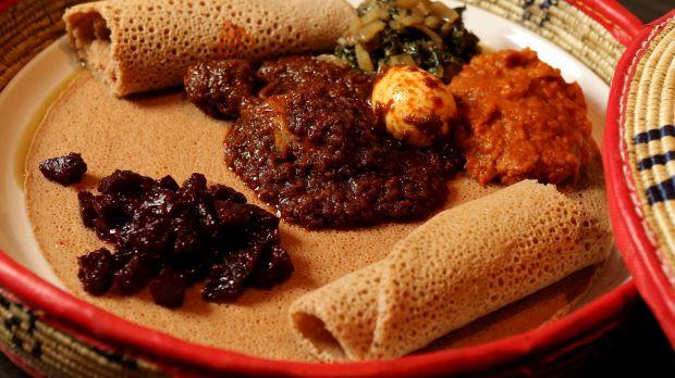 Foul (fava bean stew) : ภาพจาก goodfood.com.au