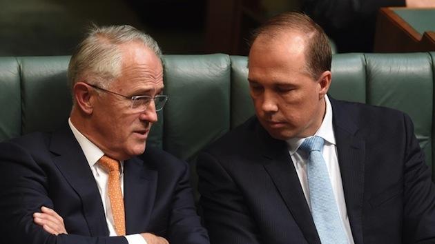 นาย Malcolm Turnbull นายกรัฐมนตรีและนาย Peter Dutton ร.มว.การเข้าเมือง : ภาพจาก 7 News