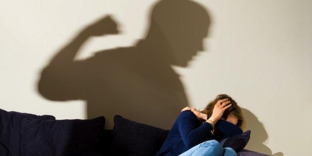 ภาพประชาสัมพันธ์การต่อต้านการใช้ความรุนแรงภายในครอบครัวจาก huffingtonpost.com.au