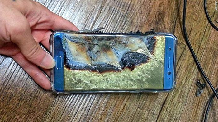 โทรศัพท์มือถือ Samsung Galaxy Note 7 หลังระเบิด : ภาพจากสำนักข่าว CNN