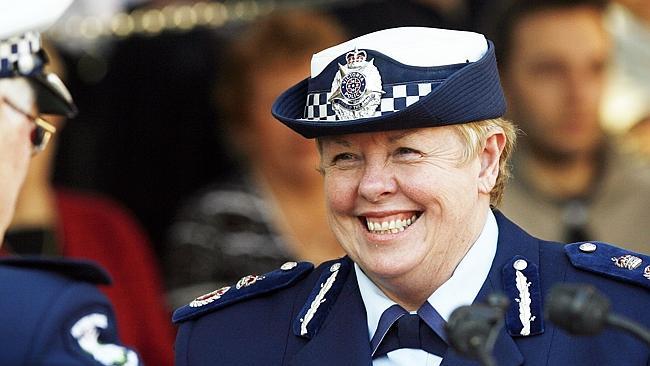 นาง Christine Nixon อดีตผู้ว่าการตำรวจรัฐวิกตอเรีย