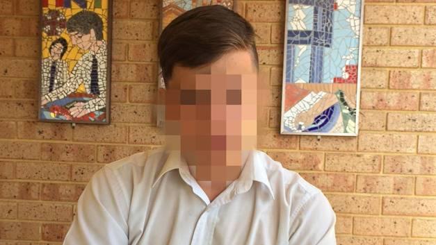 นาย GR เด็กนักเรียนชั้น 10 ผู้ถูกส่งกลับบ้านเนื่องจากไว้ผมสั้น : ภาพจากนสพ. The West Australian
