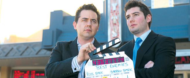 นาย Ross Bark (ซ้าย) และนาย Darren Brak น้องชาย : ภาพจาก Best Enemies