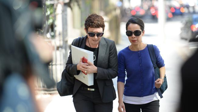 นาง Kathy Lin ภรรยาของนาย Robert Xie : ภาพชั่วคราวจากนสพ. The Telegraph